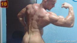 Naked Flexing 2