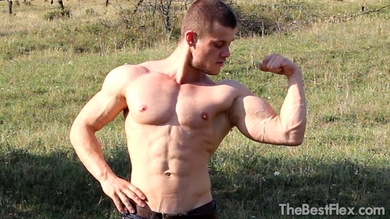 Outdoor Muscle Worship