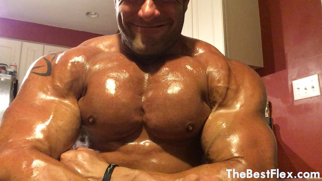 Oiled American Muscle God