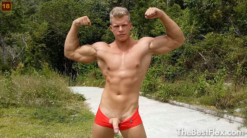 Flex and Cum - Outdoors