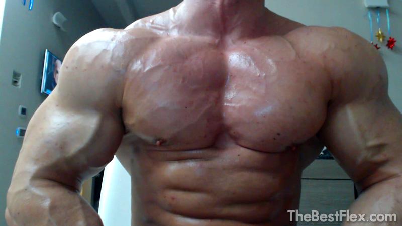 Huge Muscle Stud Flexing