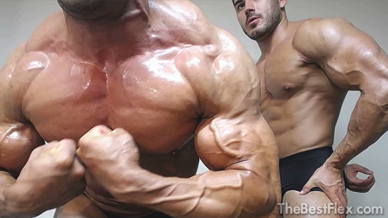 Muscle Brothers