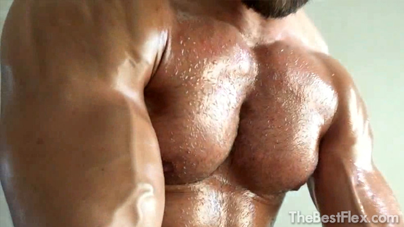Huge Oiled Muscles