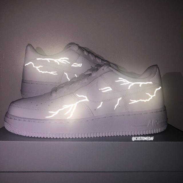 Reflective Lighting Bolt Air Force 1's   THE CUSTOM MOVEMENT
