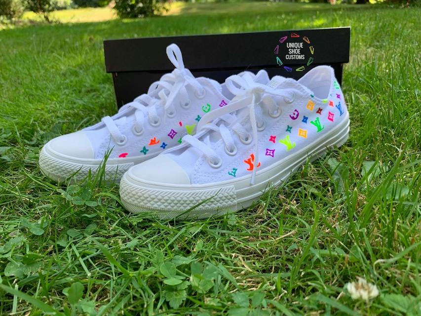 Chuck Taylor All Star Sneakers Neon Pink Canvas