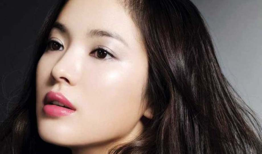 Korean actress 'Song Hye-Kyo' known for her glowing skin