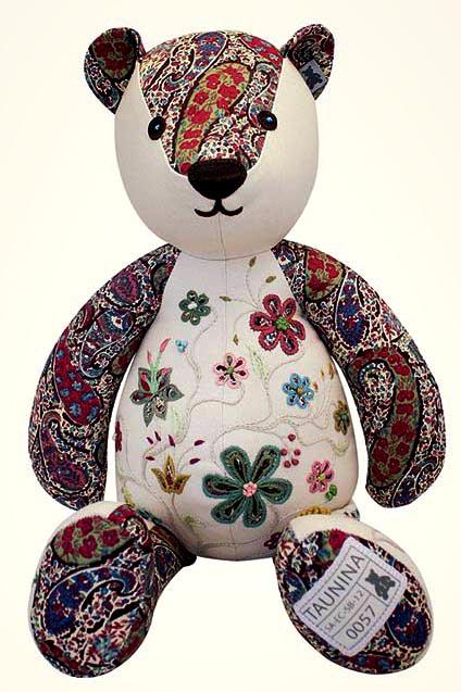 Taunina - Lawrence Bear