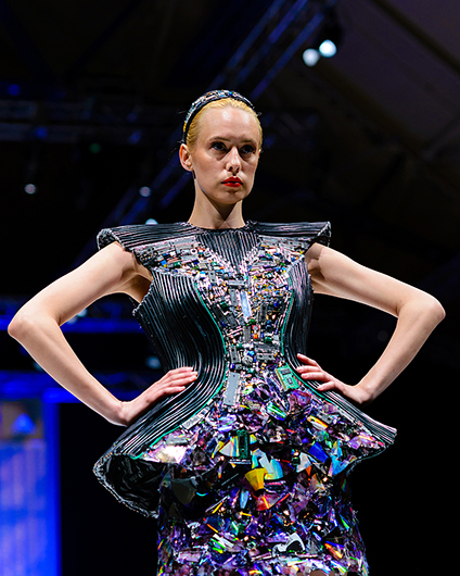 A Fusion between Fashion & Science