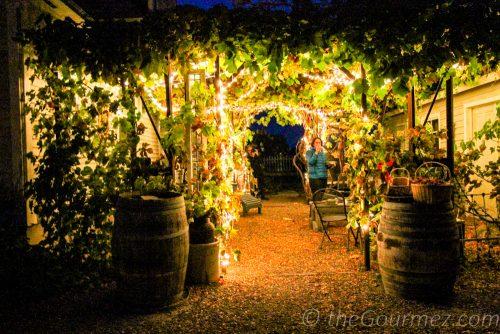 7 gables pensione, vintner's village, prosser