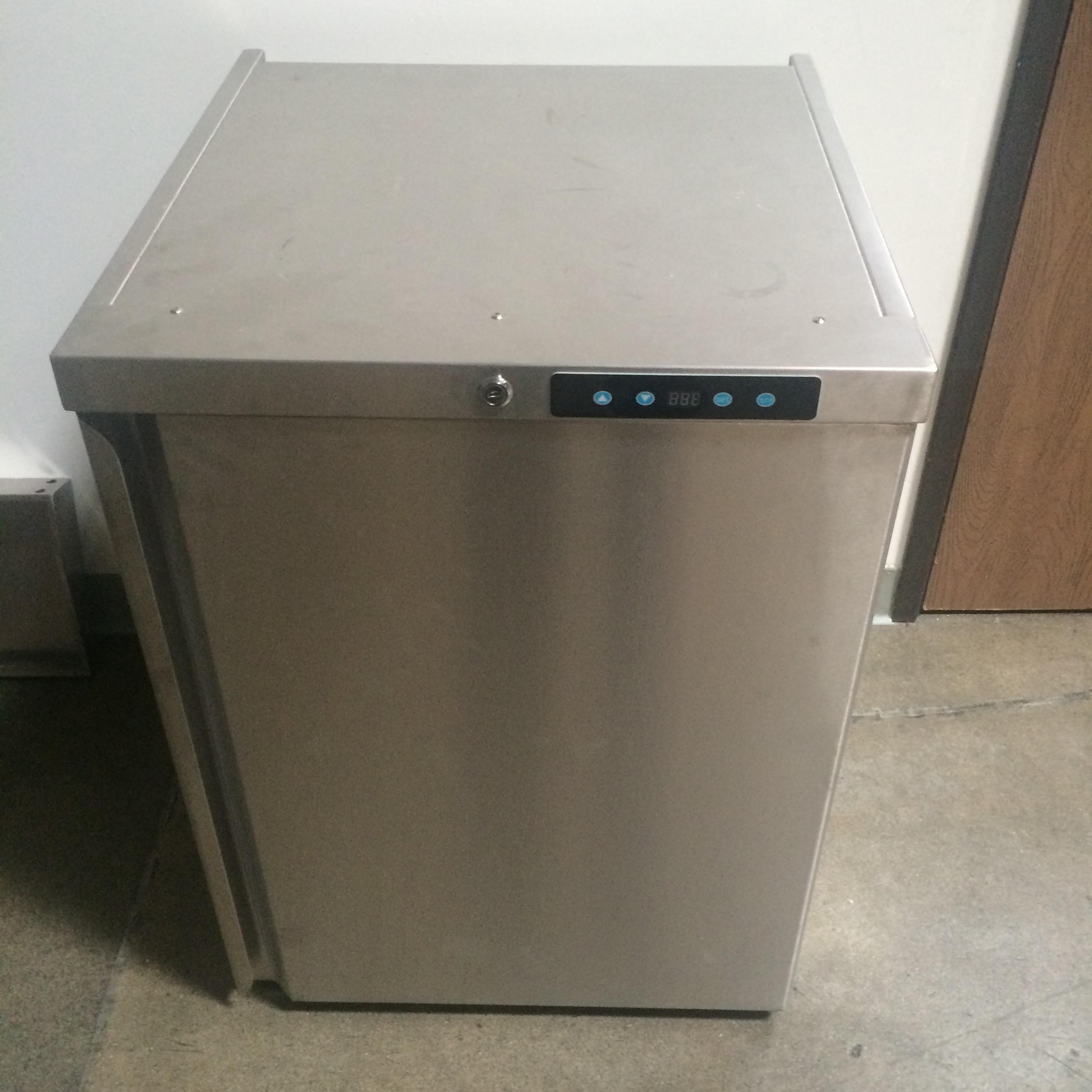 Refrigerator Outdoor Sold Out Summerset Outdoor Rated Refrigerator Stainless Steel