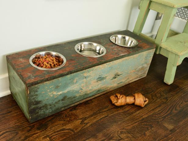 How to Make a Pet Feeding Station
