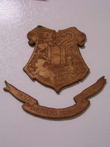 Hogwarts Crest - Magnetized!