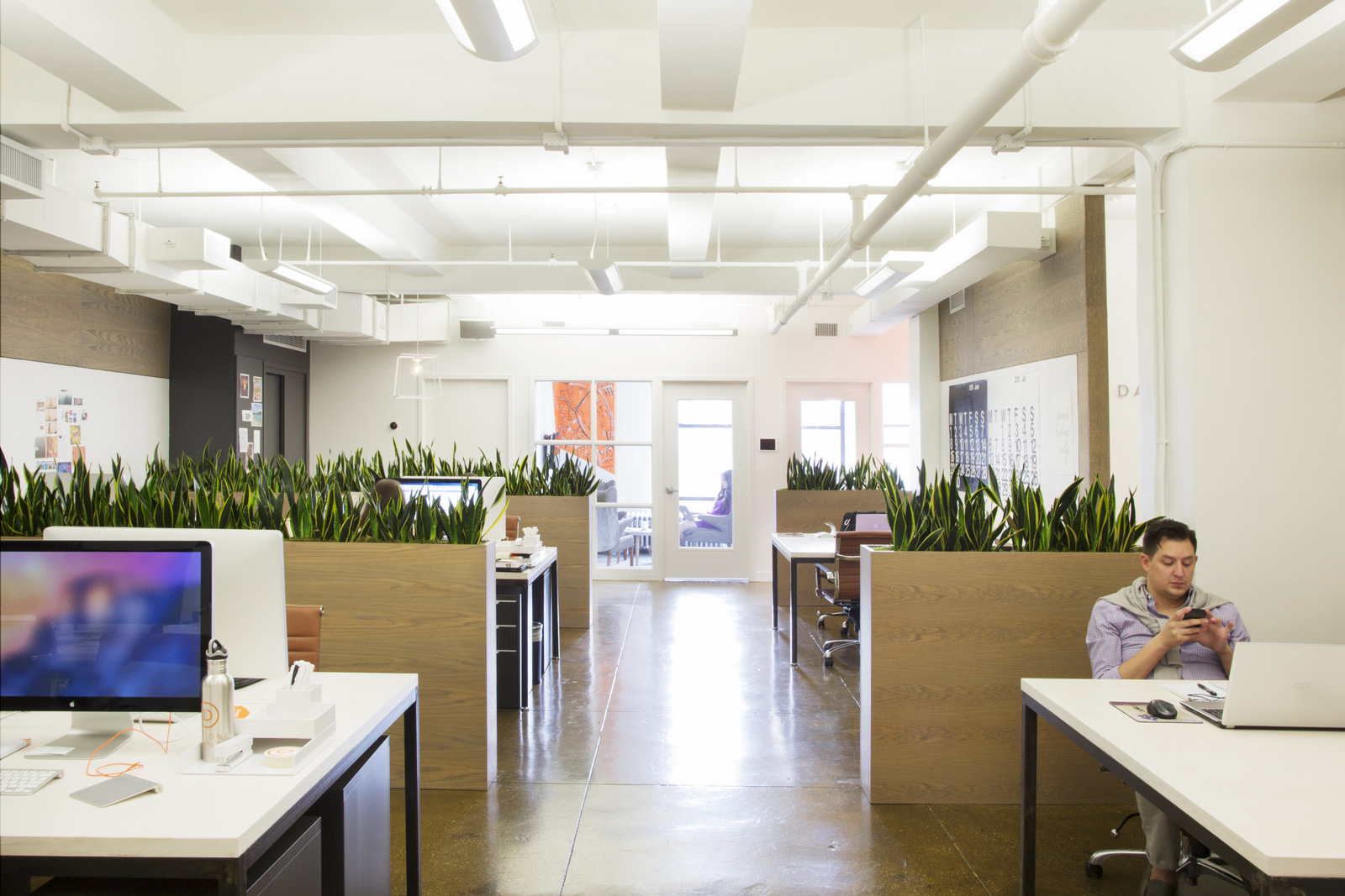 Open office hacks 4 ways partitions transform your office - Signe different open office ...