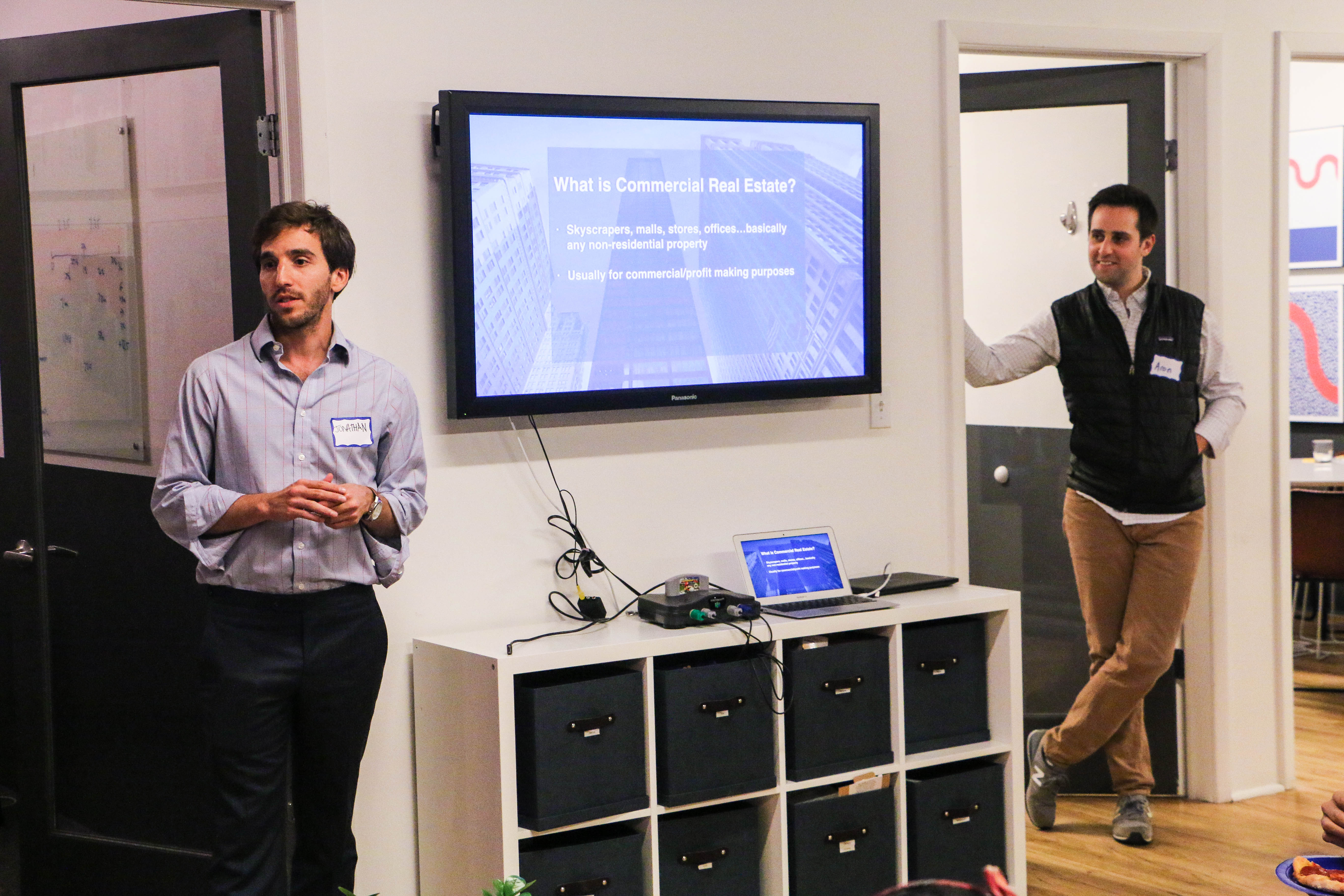 CEO Jonathan Wasserstrum (left) and CFO Aron Sussman (right) presenting to a group of Fresh Air Fund students. Photo by Danielle Chan.