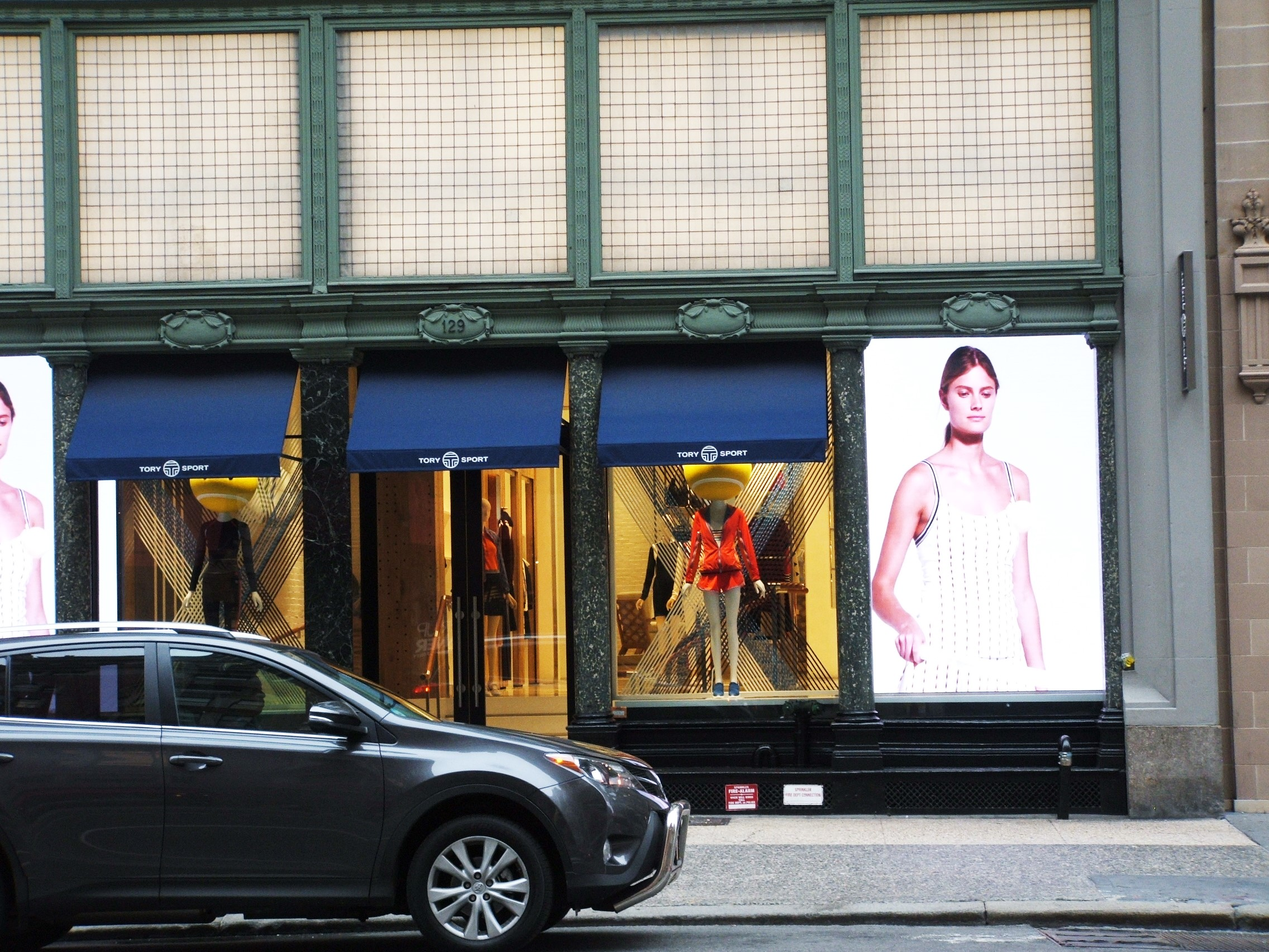 photo: Tory Sport on 5th Avenue