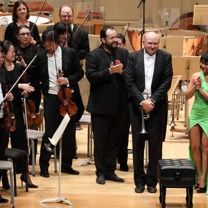 9177 10.3.19 curtain call for the shostakovich piano concerto no. 1 with andris nelsons  bso principal trumpeter thomas rolfs  and pianist yuja wang %28hilary scott%29
