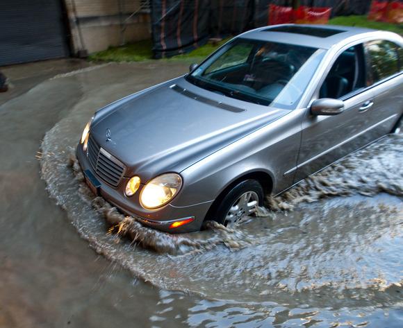 3155 parkinglotflood 0