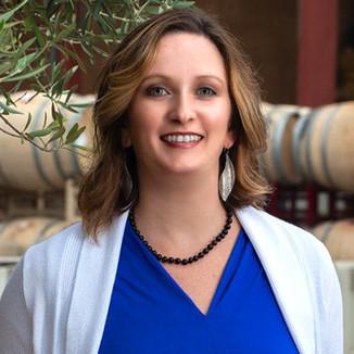 Luna Vineyards Winemaker Shawna Miller