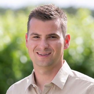Hook & Ladder Winemaker Jason DeLoach
