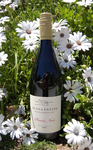 Alana Estate 2008 Martinborough Pinot Noir 750ml Wine Bottle