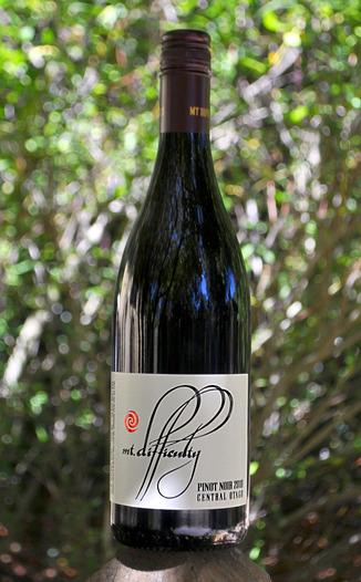 Mt. Difficulty 2010 Central Otago Pinot Noir 750ml Wine Bottle