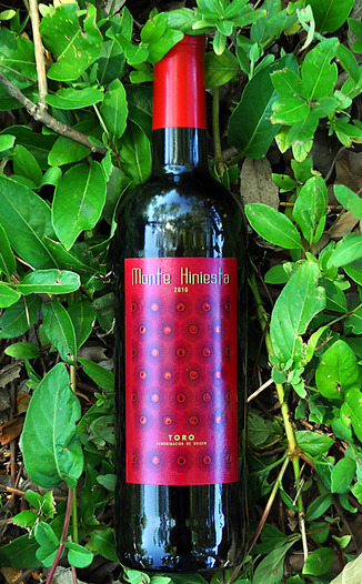 Monte Hiniesta 2010 Estate Tinta de Toro 750ml Wine Bottle