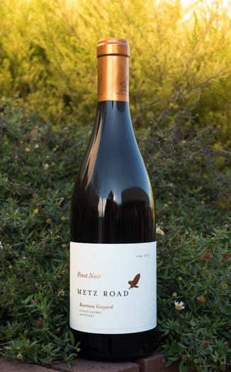 Metz Road 2015 Estate Grown Monterey Riverview Vineyard Pinot Noir 750ml Wine Bottle