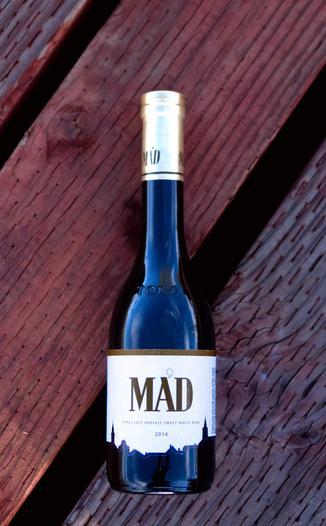 Szent Tamás 2014 'Mád' Tokaji (Aszú 6 Puttonyos) Late Harvest 375ml 750ml Wine Bottle