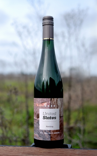 Vols 2015 'United Slates' Saar Riesling Kabinett Feinherb 750ml Wine Bottle