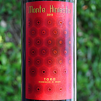 Monte Hiniesta 2010 Estate Tinta de Toro 750ml Wine Label
