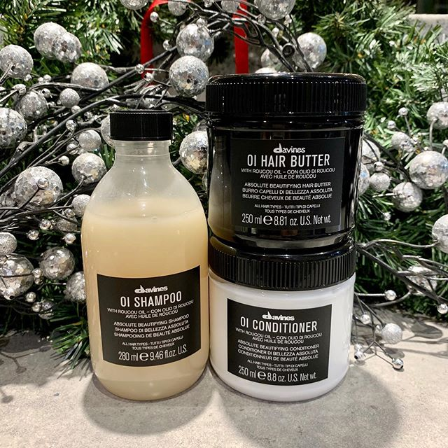 For the eighth deal of Christmas, my stylist gave to me . . . a free Oi Hair Butter with the purchase of Oi Shampoo and Conditioner ($51.79 value). (Limited time only, while supplies last.) • • •  #twelvedaysofsavings #twelvedaysofchristmas #jamesbrettboutique #downtownkingstonontario #ygksalon #ygk #kingstonontario #downtownkingstonontariobusiness #queensuniversity #stlawrencecollege