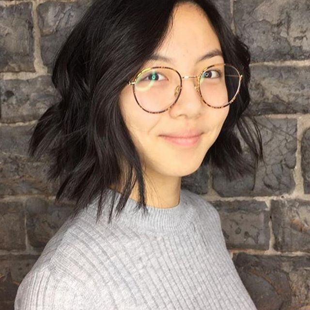 Swipe to see the before ️ throwing it back to this beautiful bob done by @jennyleighloveshair ⭐️ • • • #aveda #avedacanada #avedasalon #avedastylist #kingstonhairstylist #kingstonsalon #kingstonontario #downtownkingston #ygk #ygkhair #queensuniversity #slc #rmc