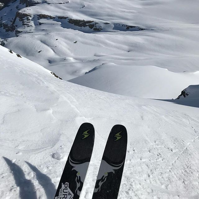 Well. That's a wrap on a truly AMAZING season. Our goggle tans are firmly in place; our legs are finally tired, and so many tracks have been laid in so many remote places. Our toes are ready to see the sun, and we're filled with gratitude.  We got to spend the last day of the 2019 season shredding with some of our fam at @hellyhansen who have been our supporters for years.  For all the support we feel, far and wide, thank you.  This is the toughest edition of Spot The Chopper yet. Zoom in and good luck. See it???  @jeffgertsch @dustincook