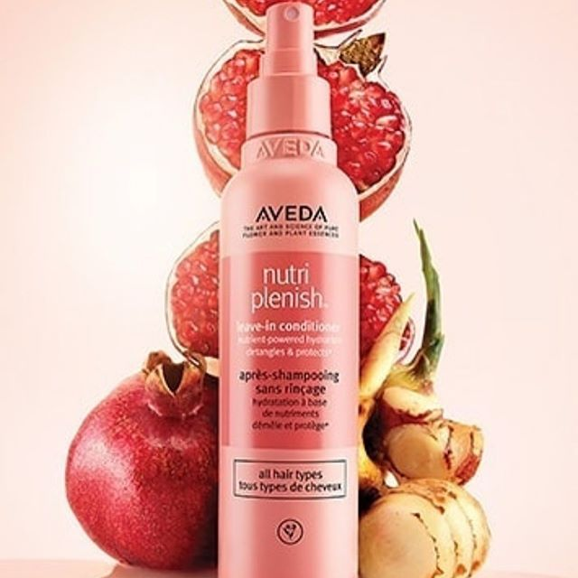Protect your hair and stay hydrated with Nutriplenish Leave in Conditioner from Aveda. Intense UV rays can dry out hair and deplete the natural lipids that coat and nourish the hair's surface. This can lead to brittle feeling, vulnerable hair. Nutriplenish Leave in Conditioner is a vegan formula that contains Sand Ginger, a naturally derived UV filter to help protect the hair against the drying effects of the sun. It also offers  thermal protection for those who use hot tools for styling. Made from the extracts of superfoods, it's omega-5 rich pomegranate oil provides nutrient powdered hydration for up to 72 hrs, helping to replenish your hair. Did we mention this is a detangling must have?! Loving the scent?? Try Nutriplenish family including a Light or Deep Moisture Shampoo and Conditioner and a Multi-use Oil. . . . . #nutriplenish #superfood-infused #nourish #protect #replenish #aveda #avedanutriplenish #uvprotection #leaveinconditioner #superfoods #sandginger #pomegranate #mango #coconut #smellslikeaveda #omega5 #vegan #glutenfree #haircare #hairproducts #suncare #selfcare  #crueltyfree #sustainablebeauty #hairandbeauty #jamesbrettcoiffure #kingstonsalon #kingstonhairstylists #ygksalon #ygkaveda  @aveda @avedacanada  @jamesbrettwest @jamesbrettdowntown