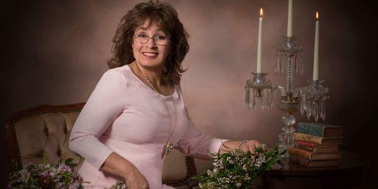 Annette Lindsey-Floral Designer