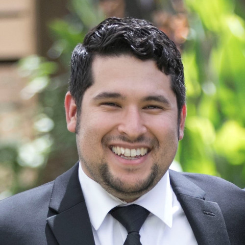 Alex Flores, Customer Success | Gloss Genius