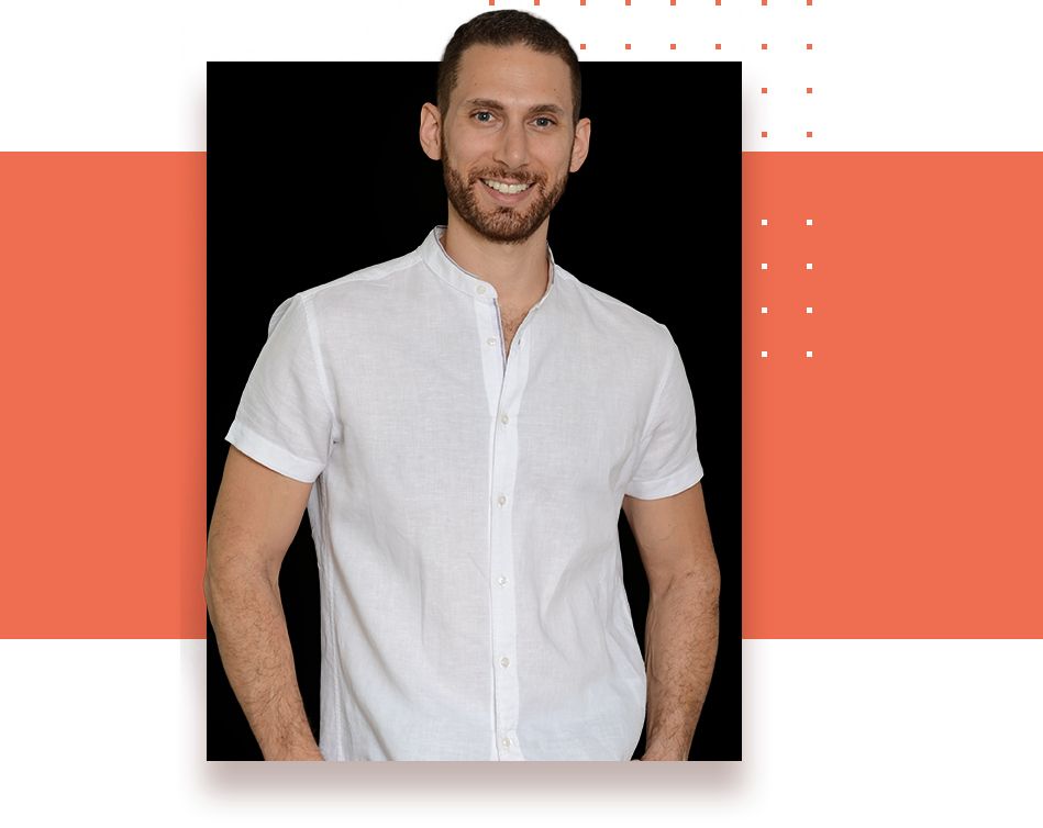Hi, I'm Jonathan Levi, TEDx Speaker, award-winning podcast host, and the founder of SuperLearner Academy.