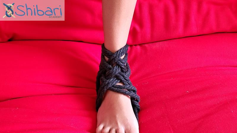 Heel Tie Weaving Style
