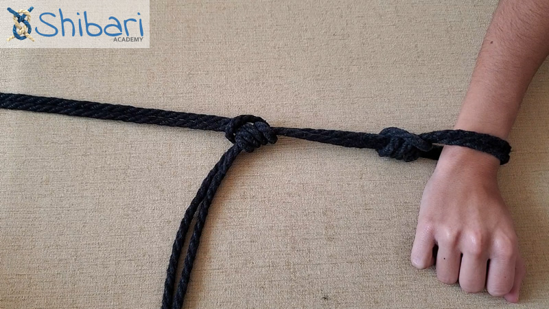 Adjustable tension single column tie Shibari