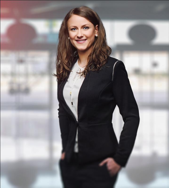 successful solopreneur woman