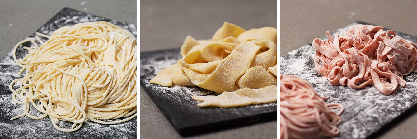 Spaguetti, papardelle, pasta roja