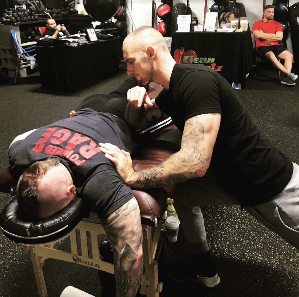 Powerlifter gets trigger point therapy on his Glute Medius