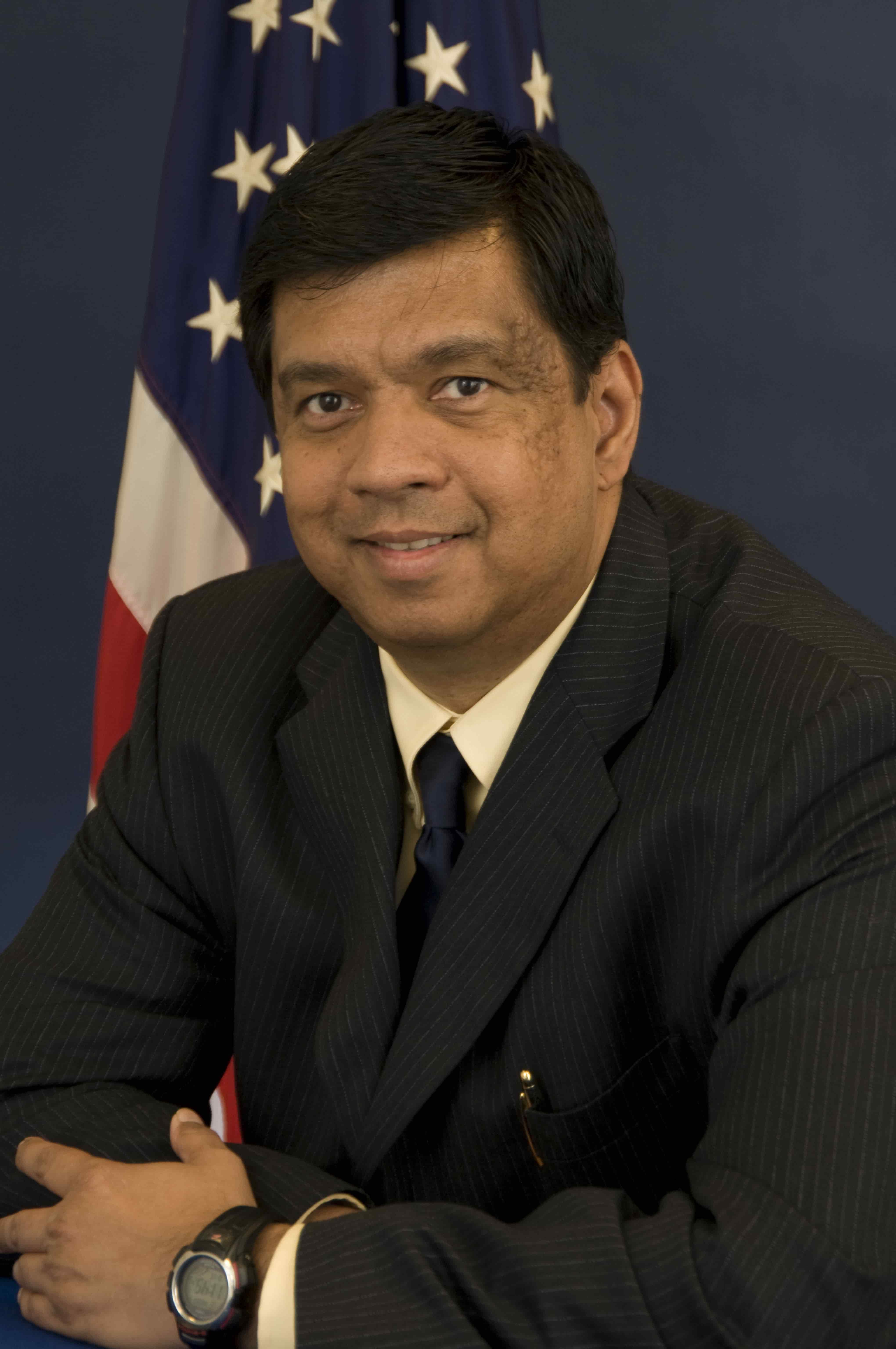 <b><b>Nitin Pradhan