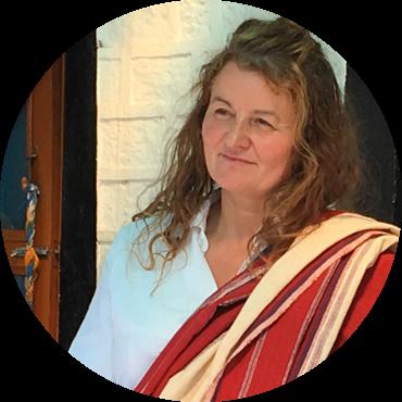 Professeure agréée de yoga tibétain Kum Nyé
