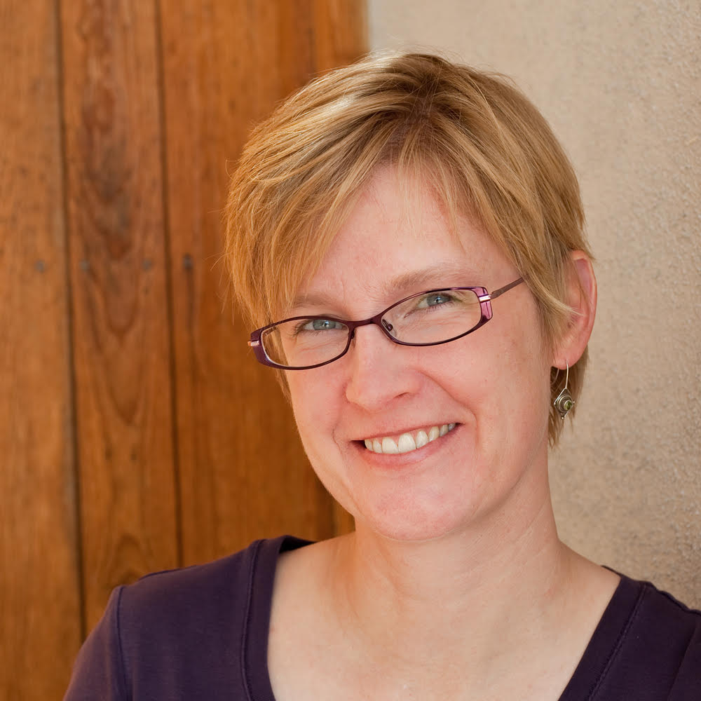 Rebecca Mezoff, master tapestry artist, online teacher at tapestryweaving.com