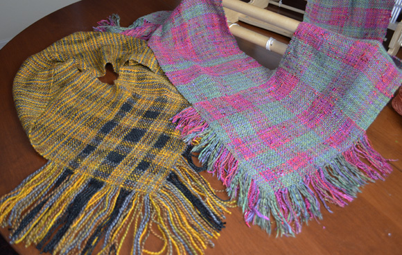 Rigid Heddle Weaving: Learn to Weave with the V Cowl