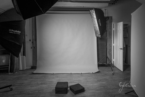 LIGHTING FOR SALES - Senior & Family Editions. Learn Lighting for studio and location settings.