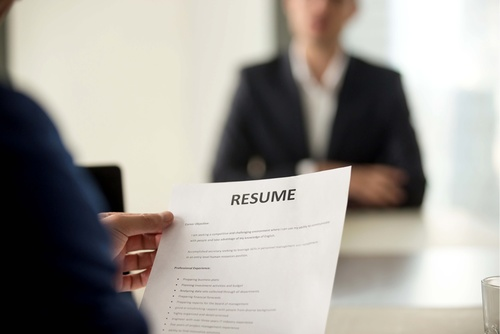 Resume, VIDEO RESUME, Cover Letter and LinkedIn Page in English.