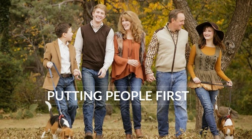 Put People First: Harness the power of harmony in your portrait design and client relations.