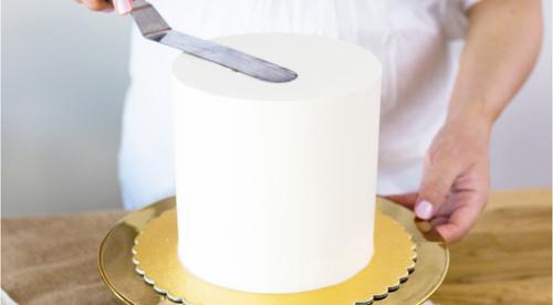 Perfect Buttercream Cake Tutorial